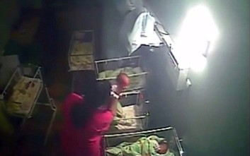 Σοκαριστικό βίντεο με νοσηλεύτρια να δέρνει άγρια βρέφος!