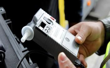 Περίπου 500 άτομα πιάστηκαν να οδηγούν υπό την επήρεια αλκοόλ σε ένα τριήμερο