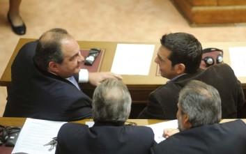 Ο Καραμανλής διαψεύδει τηλεφωνική επικοινωνία με τον Τσίπρα