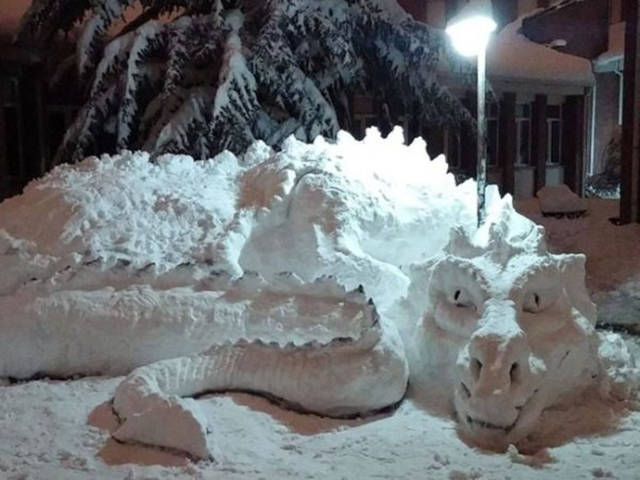 these_snow_sculptures_will_blow_your_mind_640_12