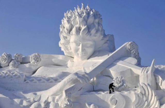 these_snow_sculptures_will_blow_your_mind_640_14