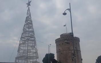 Η γιορτινή Θεσσαλονίκη «βουλιάζει» από μαθητές