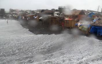 Φονικό το πέρασμα του τυφώνα Μελόρ στις Φιλιππίνες