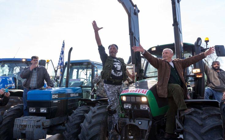Συγκρούσεις αγροτών – ΜΑΤ στη Θεσσαλονίκη