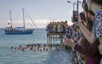 Αγιασμός των υδάτων στην κατεχόμενη Αμμόχωστο μετά από 42 χρόνια