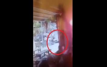 Ένοπλος γαζώνει θαμώνες σε παμπ στο Τελ Αβίβ