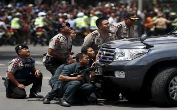 Δώδεκα συλλήψεις για την επίθεση στη Τζακάρτα