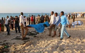 Αιματηρή επίθεση σε παραλιακό εστιατόριο της Σομαλίας