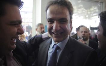 Le Monde: Τέλος της κυριαρχίας Καραμανλή με την εκλογή Μητσοτάκη