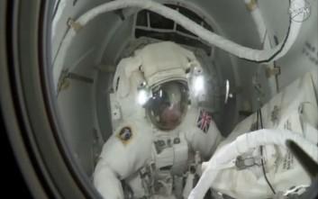 Πρόωρο τέλος για τον πρώτο «περίπατο» Βρετανού στο διάστημα