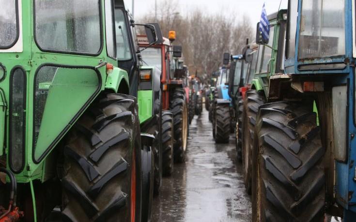 Πού και πότε προχωρούν σε αποκλεισμούς δρόμων οι αγρότες