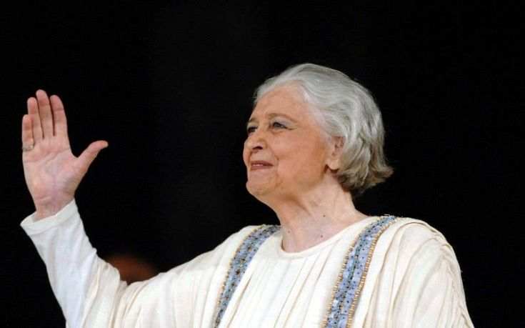 Ο πολιτικός κόσμος αποχαιρετά την Άννα Συνοδινού
