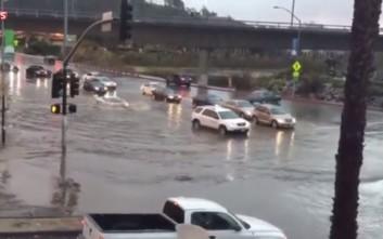 Η μάχη της Lamborghini με τον πλημμυρισμένο δρόμο