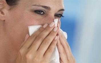 Γιατί είναι απίθανο να κολλήσει κανείς γρίπη και να κρυολογήσει ταυτόχρονα