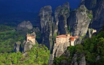 Μοναστήρια σε βράχους που κόβουν την ανάσα