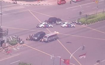 Μπαράζ εκρήξεων στο κέντρο της Τζακάρτα