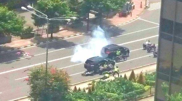 Ανθρωποκυνηγητό με πυροβολισμούς στη Τζακάρτα