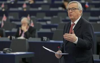 Γιούνκερ: Δεν θα επιτρέψω έξοδο της Ελλάδας από τη Σένγκεν
