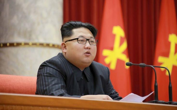 «Oμάδα 130 κορυφαίων επιστημόνων μάχεται για να κρατήσει στη ζωή τον Κιμ Γιονγκ Ουν»