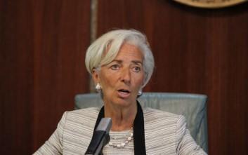 Το ΔΝΤ εξακολουθεί να προβλέπει ανάπτυξη παρά τους κινδύνους