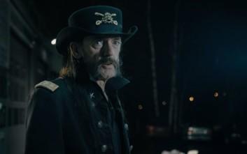 Δείτε τον Lemmy να διαφημίζει… γάλα