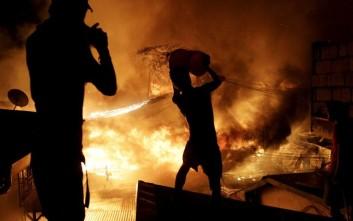 Πυρκαγιά έσπειρε τον θάνατο σε μπαρ στο Ανόι