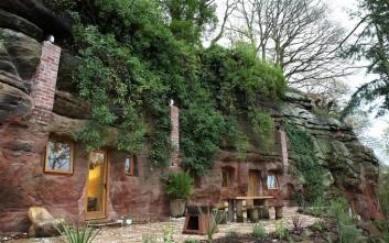 Η σπηλιά που έγινε μοντέρνο σπίτι