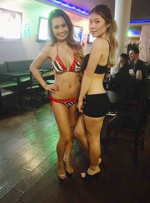 waitresses_wear_lingerie_10