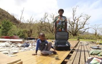 Δεκάδες χιλιάδες εκτοπισμένοι από τον κυκλώνα στα Φίτζι