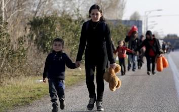 Αντί για εκδηλώσεις, μαγειρεύουν για τους πρόσφυγες στην Κοζάνη
