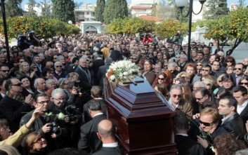 Ούτε κηδείες δεν θα γίνονται σήμερα