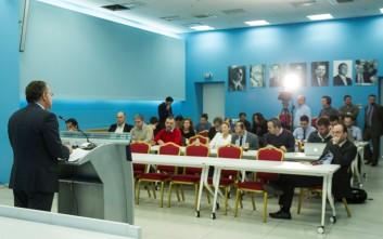 Κουμουτσάκος: Ευρωπαϊκό και διεθνές ζήτημα το προσφυγικό