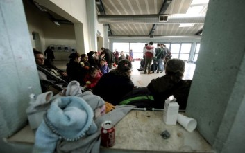 Στο Σχιστό μεταφέρθηκαν οι πρώτοι πρόσφυγες