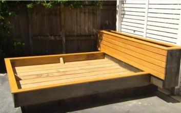 Τι μπορείς να κάνεις με ένα κρεβάτι στην αυλή σου