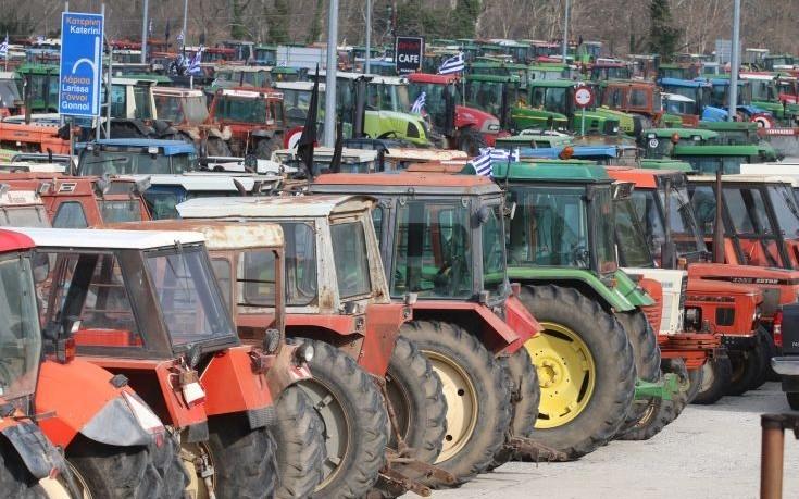 Εμμένουν στην αδιάλλακτη στάση τους οι αγρότες