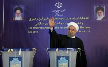 Ροχανί: Η Τεχεράνη τηρεί τον λόγο της, δεν παραβιάζει διεθνείς συμφωνίες