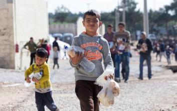 Προσφυγόπουλα στα θρανία για να μάθουν ελληνικά