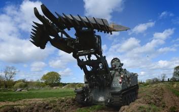 Το τανκ του βρετανικού στρατού που κάνει τα πάντα!