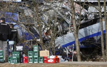 Συγκλονισμένη η Μέρκελ από τη σύγκρουση τρένων στη Βαυαρία