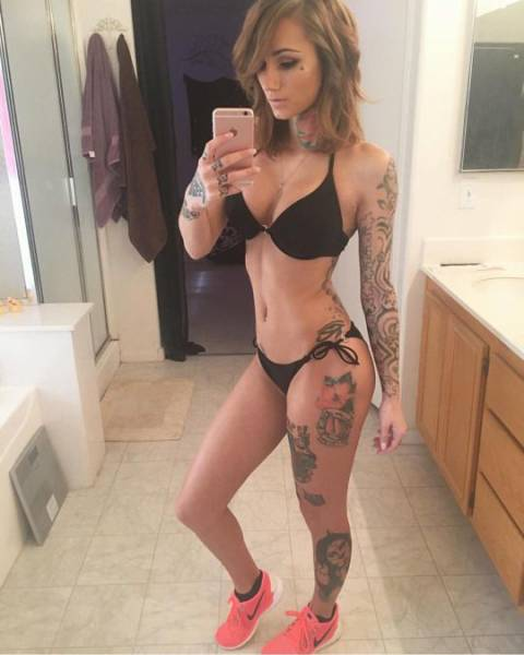girls_who_like_ink_30