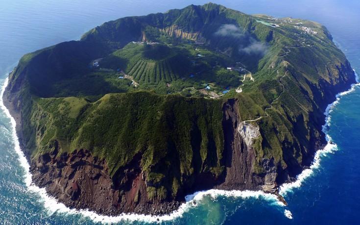 Πώς είναι η ζωή σε ένα νησί-ηφαίστειο