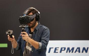 Το HTC Vive VR Ηeadset έρχεται αποκλειστικά στον ΓΕΡΜΑΝΟ