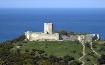 Το επιβλητικό κάστρο του Πλαταμώνα