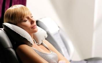 Πώς να κοιμηθείς άνετα κατά τη διάρκεια της πτήσης
