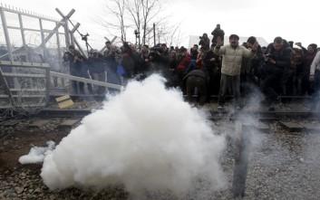 Ένταση, χημικά και φόβοι για ανθρωπιστική κρίση στην Ειδομένη