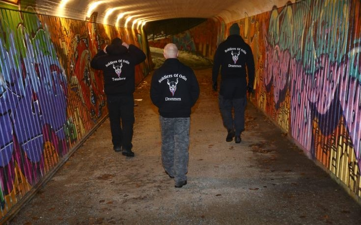 Αντιμεταναστευτικές ομάδες αυτοάμυνας διαδίδονται στη βόρεια Ευρώπη
