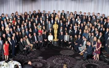 Τι κρύβει η «οικογενειακή» φωτογραφία των υποψήφιων των Όσκαρ