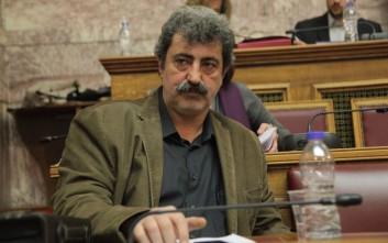 Χριστοφιλοπούλου σε Τσίπρα: Πώς θα ελέγξετε τον επιδεικτικά καπνίζοντα κ. Πολάκη;