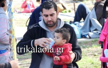 Εγκλωβισμένοι πρόσφυγες στα Τρίκαλα