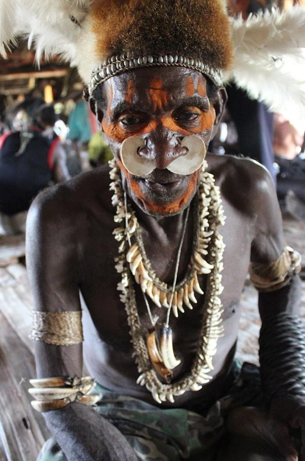 Άνδρας της φυλής Asmat